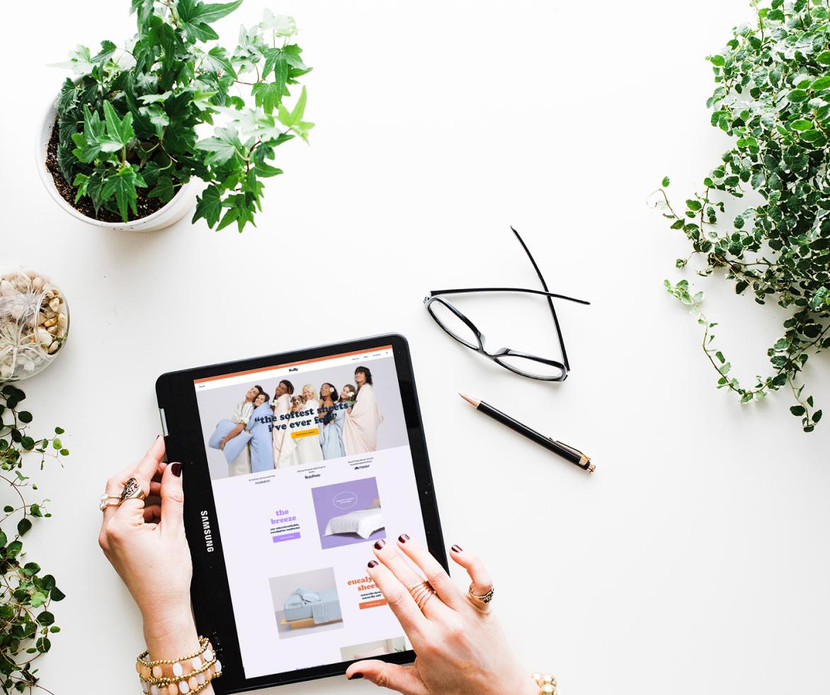 ecommerce shopper tablet